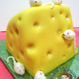 This slice of cheese and mice cake is the perfect little gift you can give when you need something small and quick. I made this as a gift for friend but didn't need something really big. He loved it!!