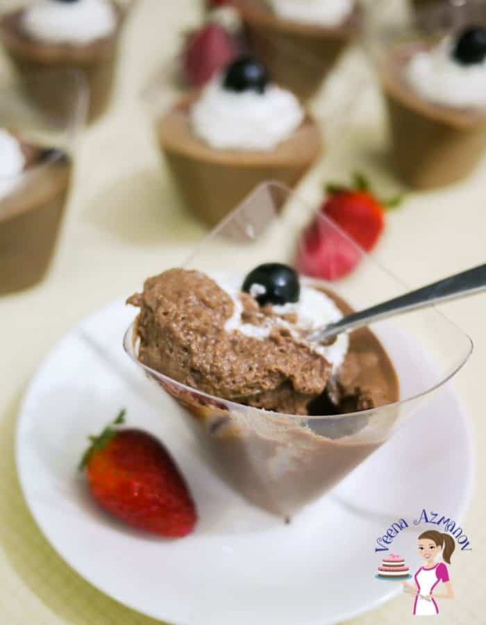 How to make classic homemade Mousse with rich dark chocolate