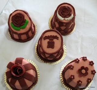 Mad Hatter Mini Cakes