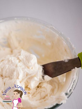 The BEST Cream Cheese Frosting Buttercream Recipe