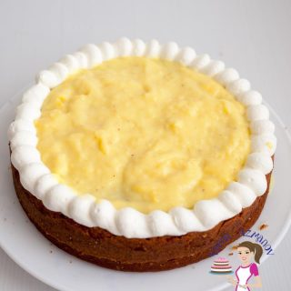A vanilla custard cake filling can be a absolute treat hidden between too layers of cake. That creamy sweet goodness made from cooking eggs, milk and sugar. Try it as a cake filling, in layered trifles or just pour it along side a delicious warm Brownie. It's a luxury in all forms.