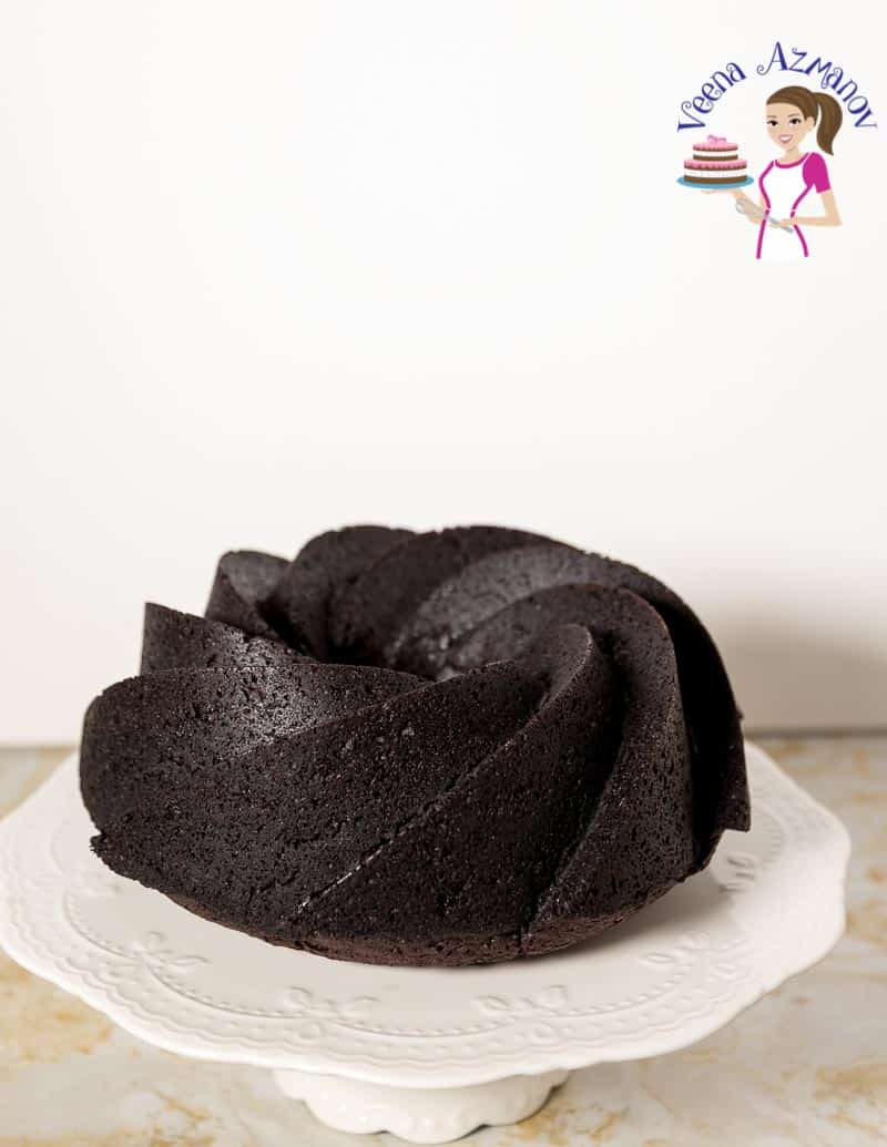 A chocolate bundt cake.