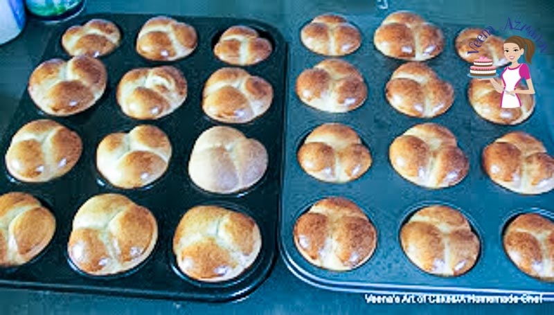 The baked old-fashion cloverleaf rolls just out of the oven. Progress Pictures