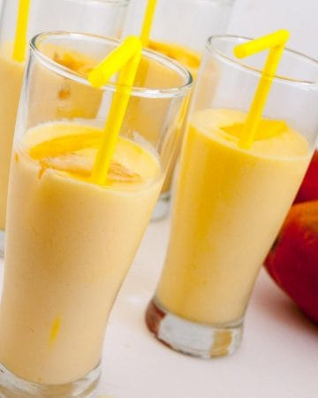 how to make an Indian summer drink with mangoes and cardamom - called lassi