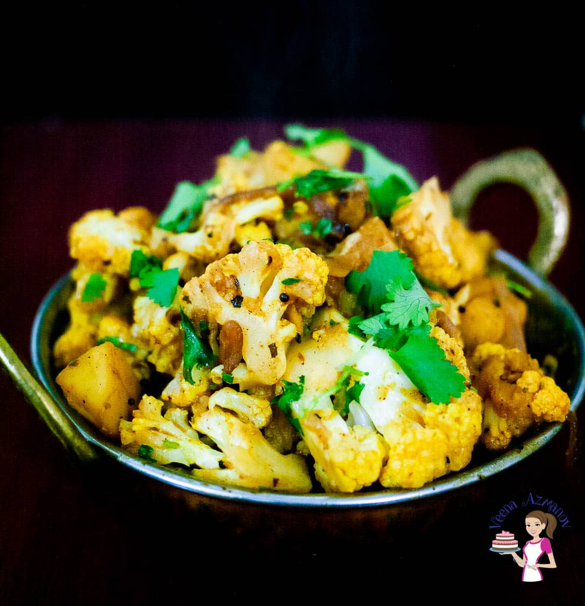 An Indian pot with sautéed cauliflower and potatoes