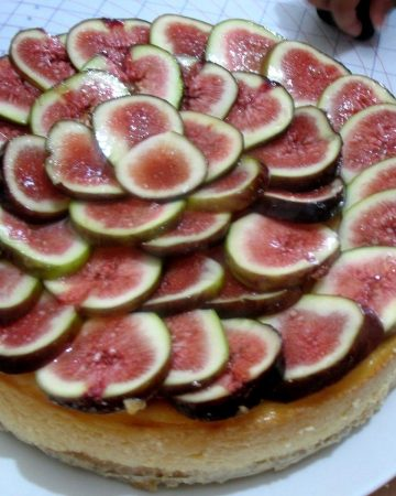 A fig cheesecake.