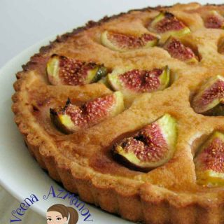 When figs are in season this is a must make fruit dessert. This fresh fig tart with a sweet cream based filling can be served on it own. An impressive summer dessert you can bring along to family and friends.