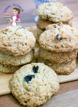 Easy Oatmeal Cookies Recipe with Pecans and Raisins