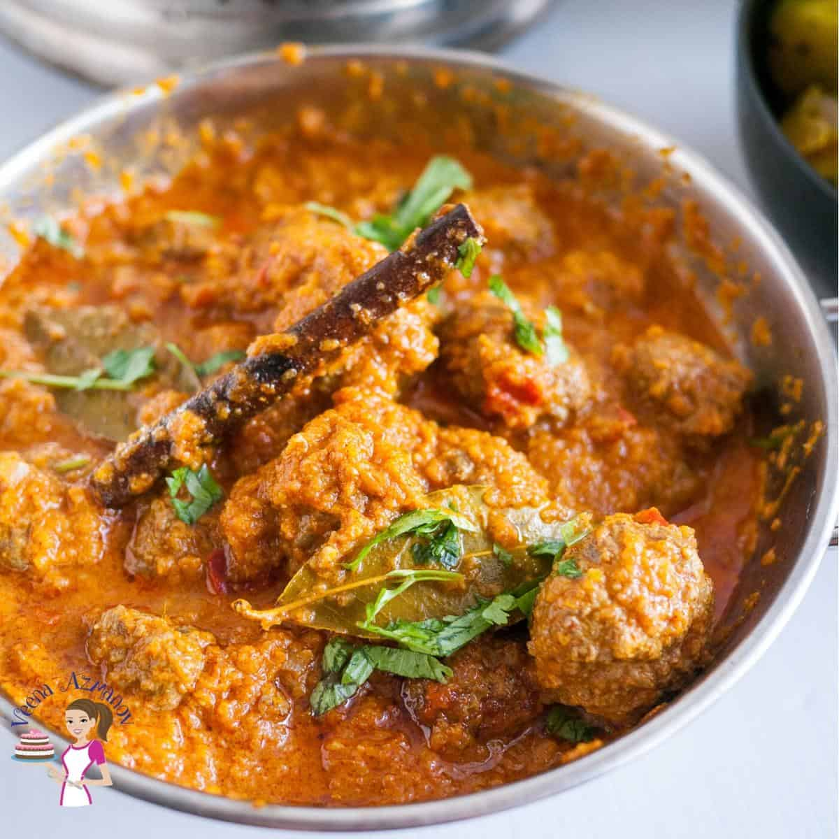 A bowl of Indian meatball curry.