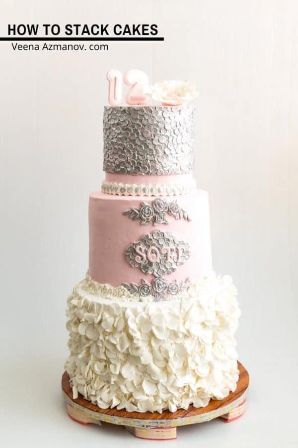 A 3-tier wedding cake