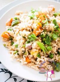 A Quick fried rice is an absolute treat for lunch or dinner. It gets ready in less than 15 minutes. You can use frozen vegetables which brings prep time down to almost nothing. The best part is the flavors are so versatile you can create a version that perfect for you.