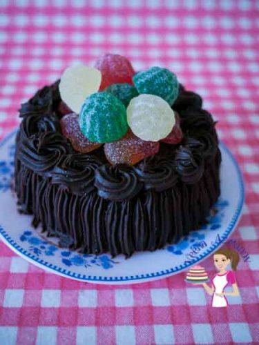 Simple Yet Moist CHocolate Cake (6)