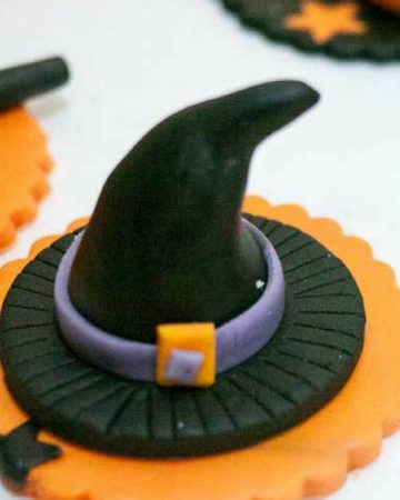 Cupcake toppers for Halloween.