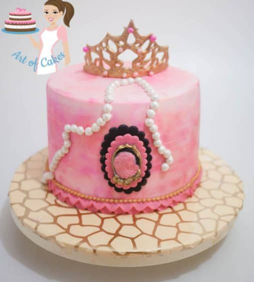 A princess crown cake.