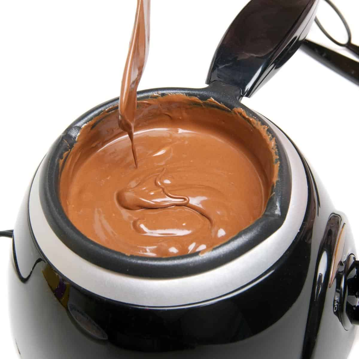 Melting chocolate in a slow cooker