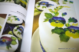 Painting Flowers on Cakes (13)