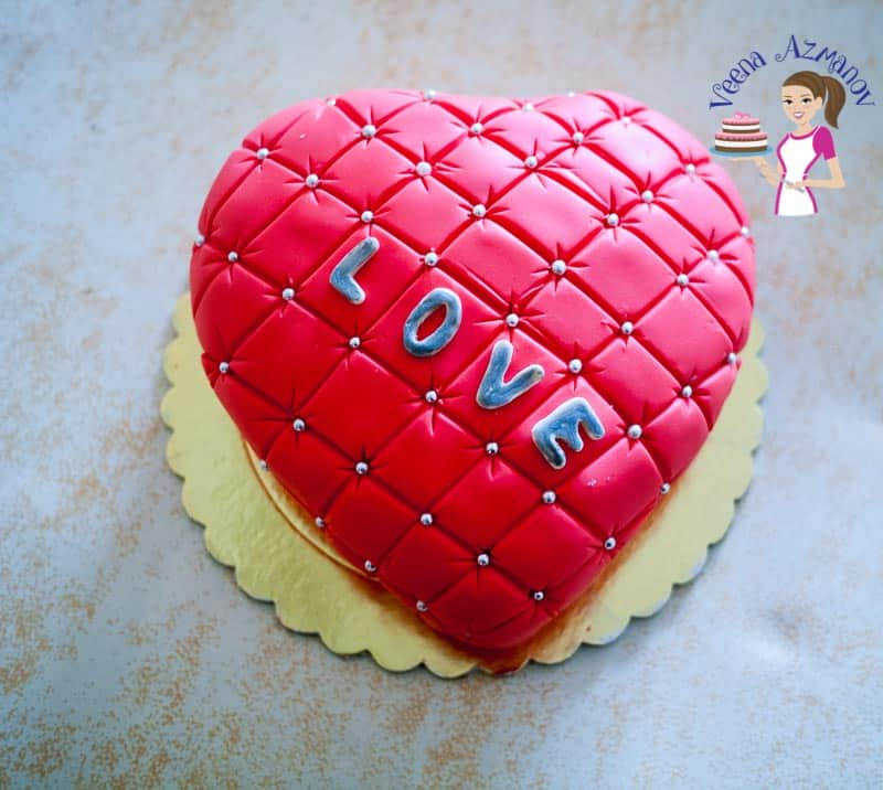 How to make a Valentine Cake in Heart Shape with Pillow effect