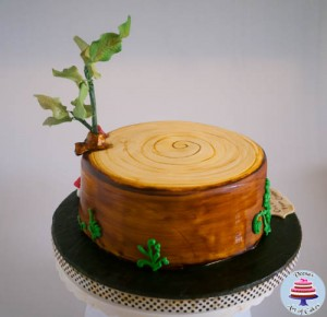 Tree Stump Cake-2