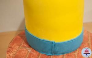 Minion Cake-11