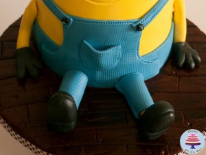 Minion Cake-26