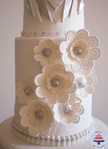 Art Decor Theme Wedding Cake