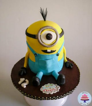 Kevin the minion Cake
