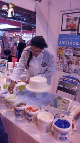 Cake International Satin Ice Demo (3)