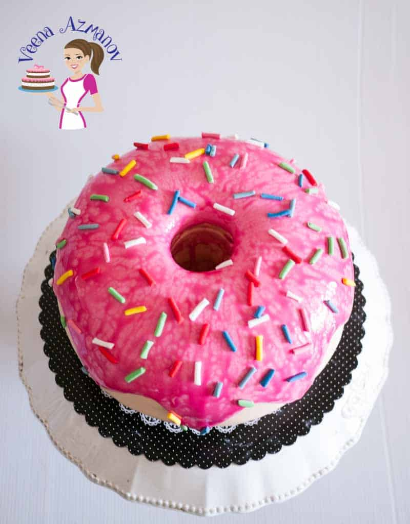 A doughnut cake can be a fun project to make for any birthday celebration, no matter what age. It's really a simple, easy and effortless cake with nothing complicated or overly time consuming.