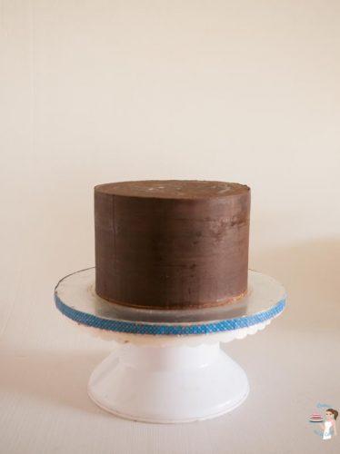 Sharp Edges on Ganache Cakes