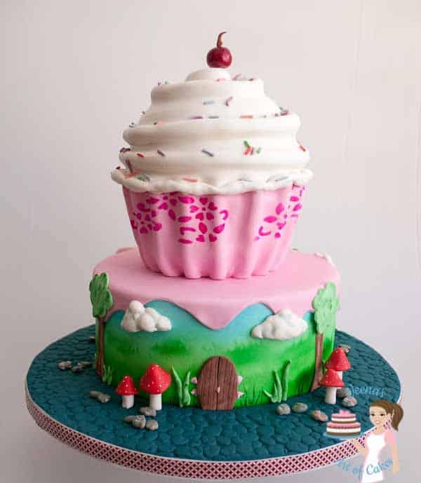 Decorated cake - Giant cupcake