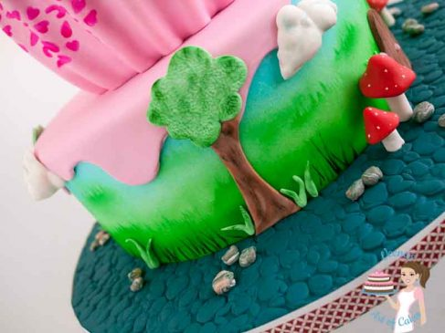 Close up of the trees on the cake