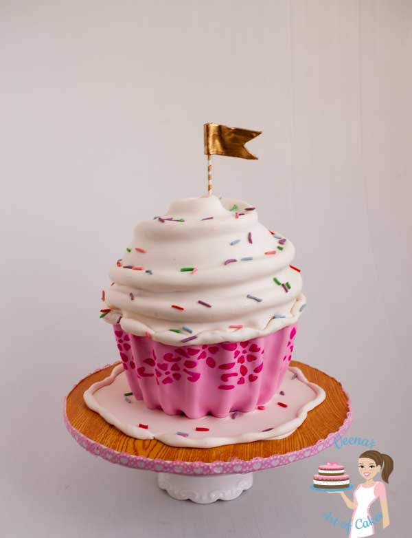A Giant cupcake cake tutorial