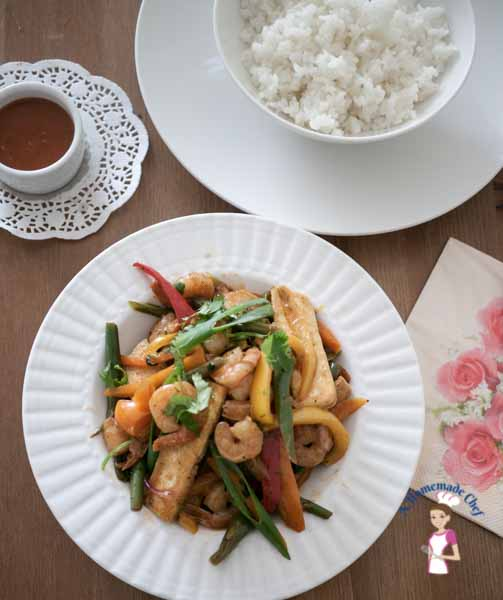 This zesty prawn pepper stir fry is a simple, easy and healthy recipe. In less then 15 minutes you will have lunch or dinner on the table. The convenience of using frozen prawns and veggies takes prep time down to almost zero making it a winner every single time by food blog A Homemade Chef.