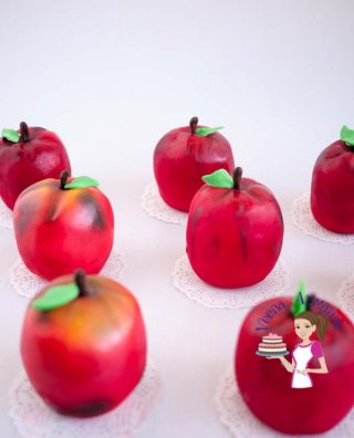 Fondant Apple Mini Cakes – perfect holiday treats