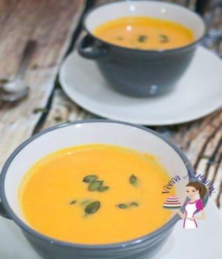 Maple Pumpkin Soup with roasted Pumpkin seeds