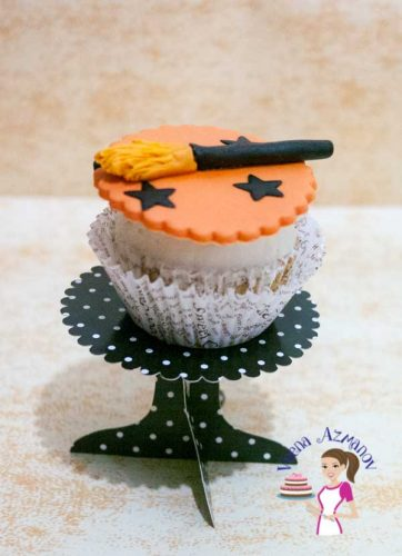 The most common; simple and easy cupcake topper that everyone loves during Halloween is a Witch's Broom Cupcake topper to top your favorite cupcakes.