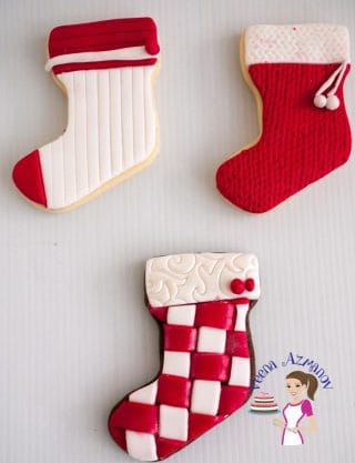 Make the most popular cookies this Christmas with this Christmas Cookie Decorating fondant tutorial. Make 3D Christmas Trees, Bells, Stockings and Snowmen.
