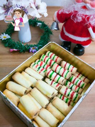 These are the best Christmas Cookies Macadamia Date Roll Cookies.