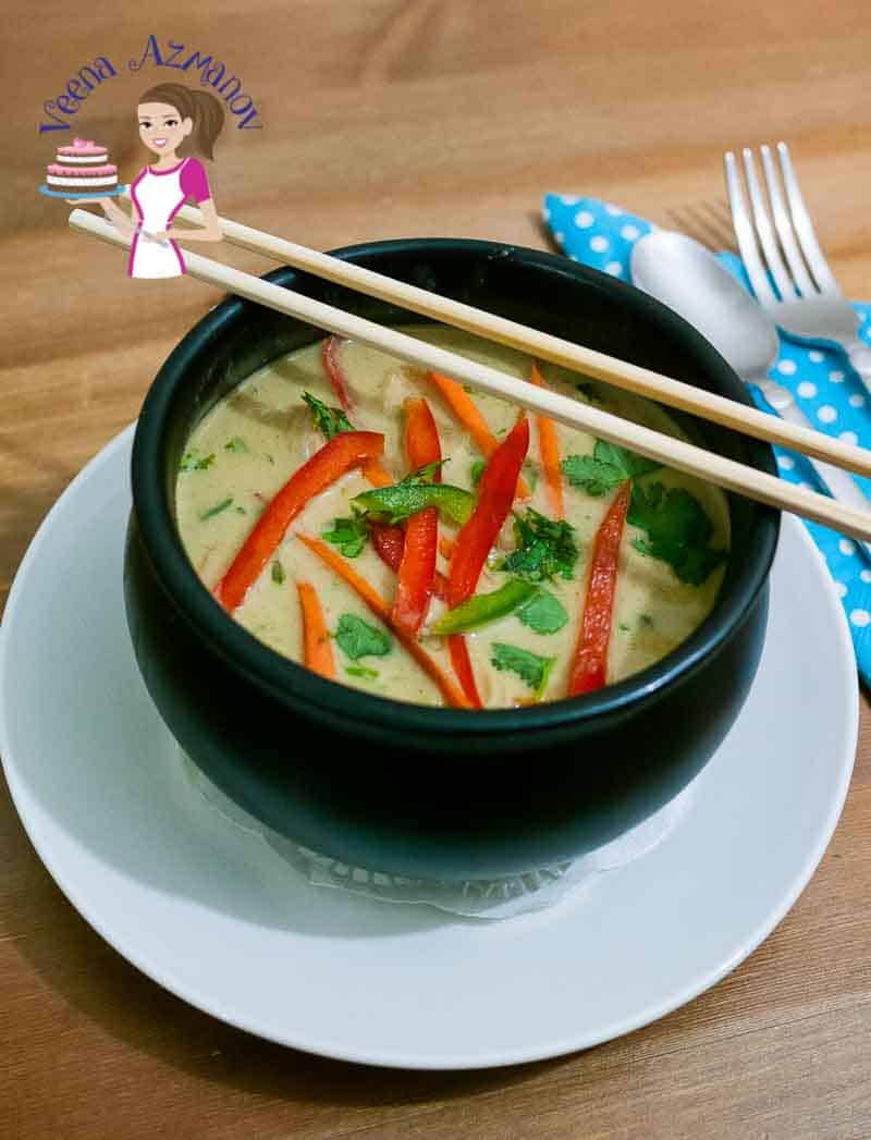 Make a wonderful noodle soup with Thai curry paste and coconut cream