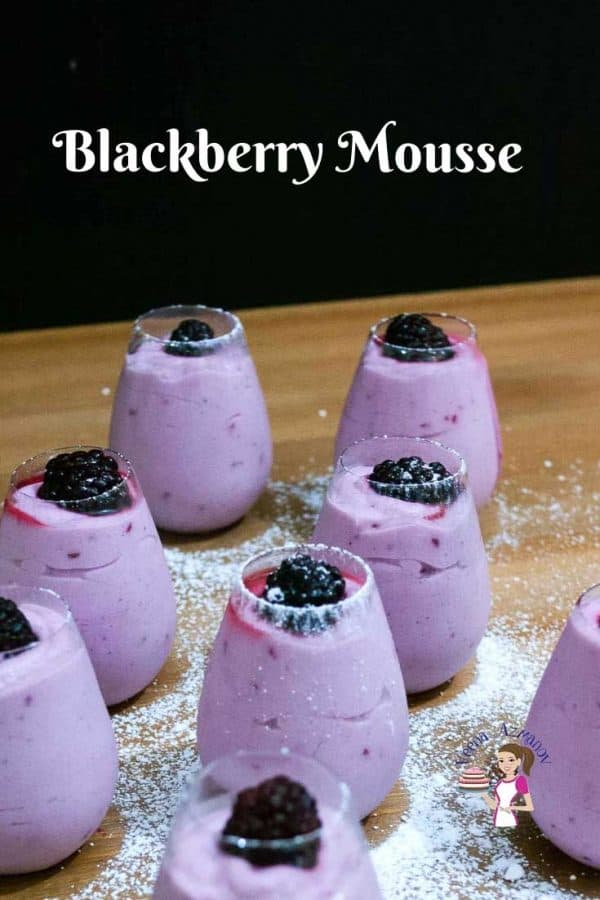 This blackberry mousse without gelatin recipe is decadent as it is delicious. This simple, easy and effortless recipe made with eggless vanilla pastry cream as a base uses agar-agar instead of gelatin so it's eggless and vegetarian. A perfect dessert that sets quicker than classic mousse recipes and makes a pretty presentation to serve family and friends.