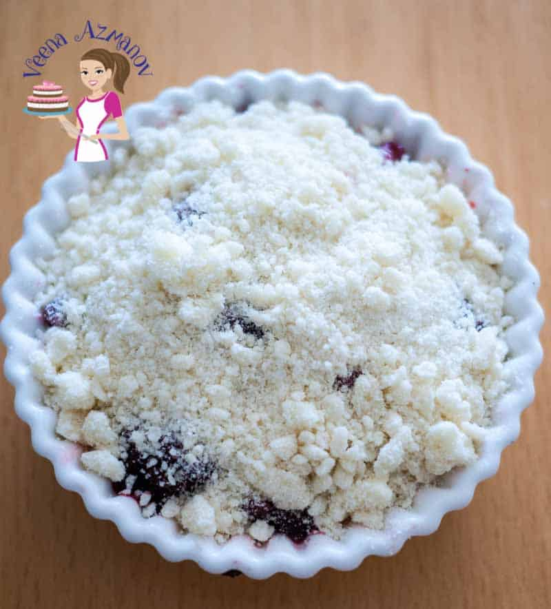 Homemade Fruit Crumble with Raspberry