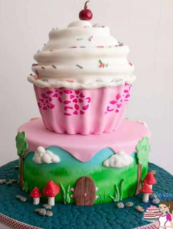 Stenciled Giant Cupcake Cake Video Tutorial