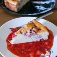 Crustless Strawberry Ricotta Cheesecake with Strawberry Sauce