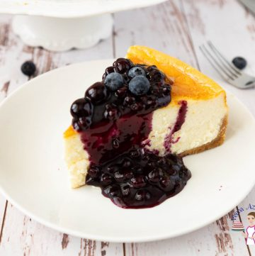 How to make a baked cheesecake at home with Blueberry filling