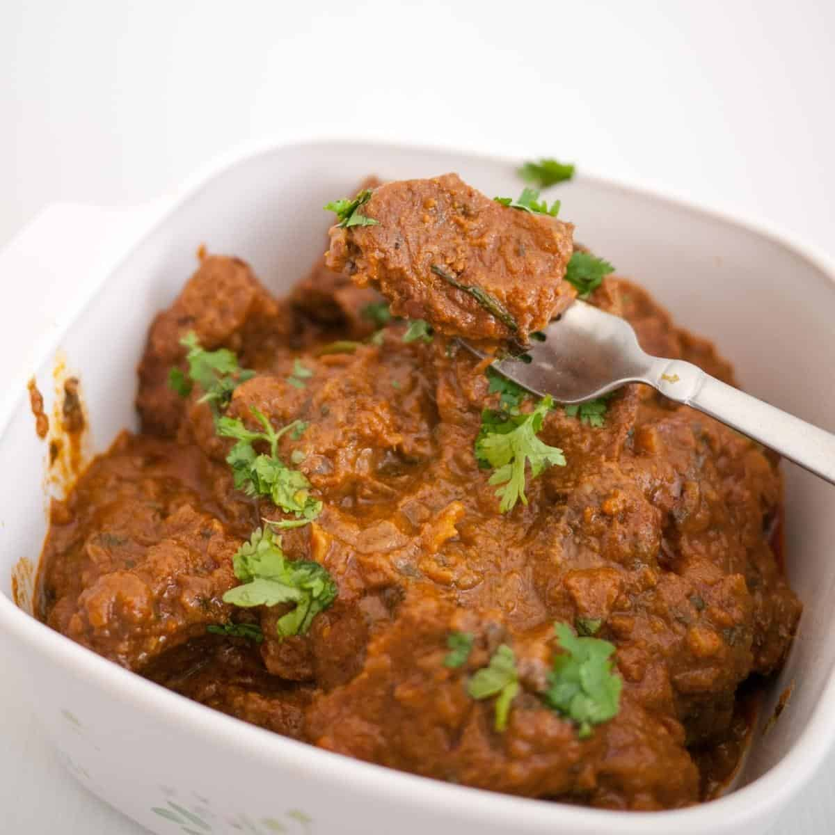 How to make beef curry thats slow cooked on stovetop or slow cooker