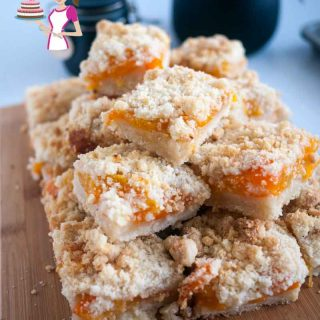 These apricot crumble squares are a great twist on the classic fruit crumble tarts. Simple and easy to make, weather you use fresh, canned or frozen apricots. This is definitely a crowd pleaser and great tea time snack.