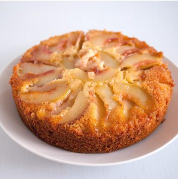 How to make an Upside Down Cake with Fresh Peaches