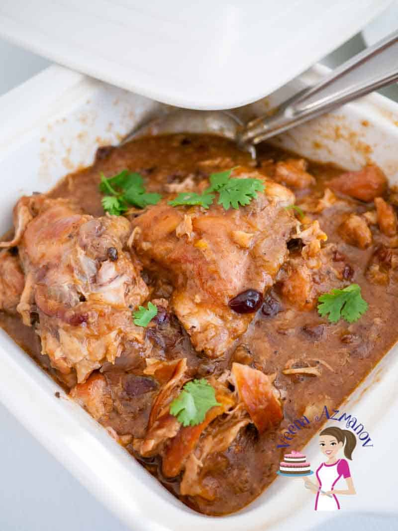 Nothing beats a slow cooked fork tender meat, right? This slow cooker apricot cranberry chicken is the ultimate comfort food. Slow cooked with the exotic flavor of cranberry and apricot and served over a bowl of delicious couscous. via veenaazmanov.com