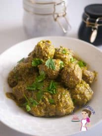 These cilantro meatballs are tender, juicy and full of flavor. Made with fresh cilantro leaves with a touch of ginger and garlic for that added kick. A squeeze of lemon. These make perfect appetizers or sides.