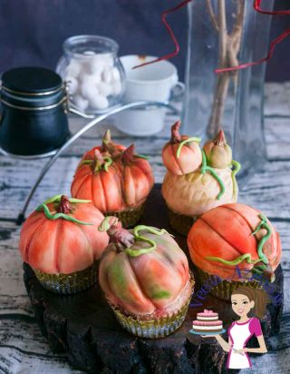 Decorate Pumpkin Cupcakes with Pumpkin Spice Apple Cupcake Recipe